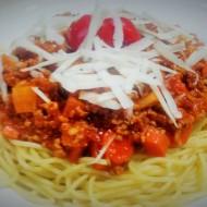 Spaghetti Bolognese mit frischem Parmesan